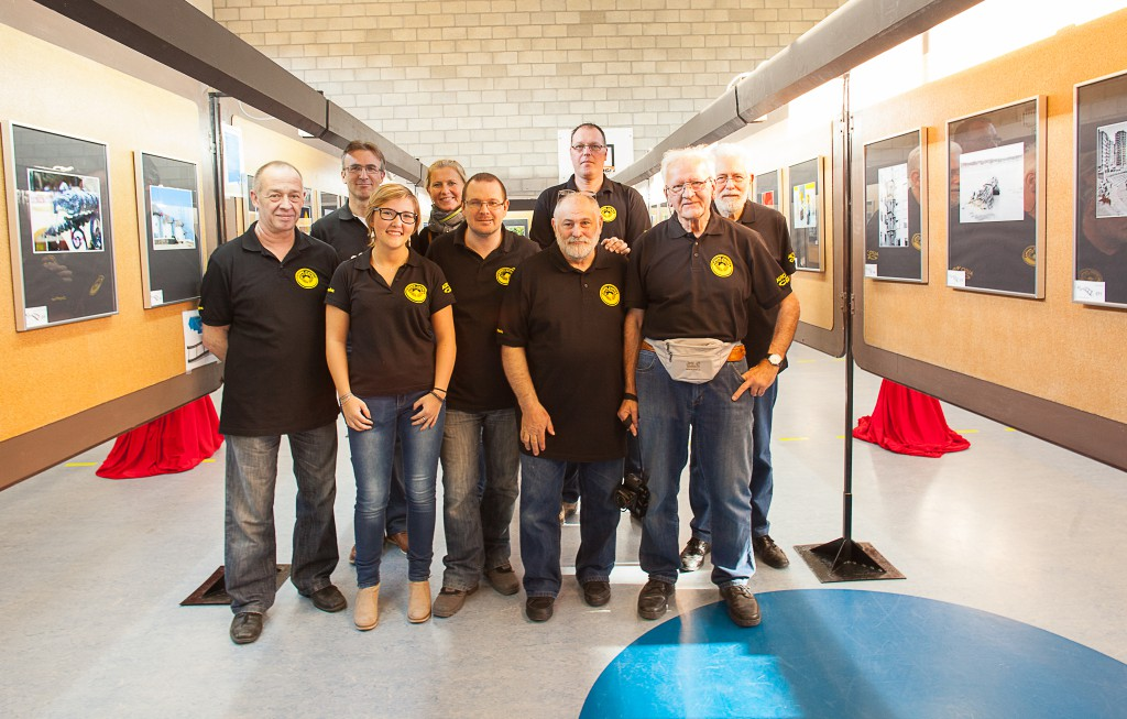 Photo des membres du Club Photo Optison, lors de la 36ième exposition en 2015.